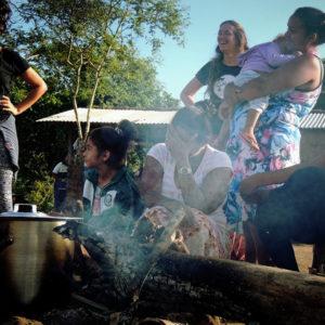O Torés de Indígenas e Palhaços em Ritual